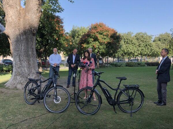Elektromos rásegítéses kerékpárok vásárlásának támogatása - kormányzati bejelentés 2020.09.22-én az Olimpia parkban