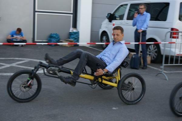 Fekvőkerékpár hátsó lengéscsillapítással