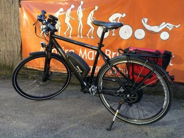 Első és hátsó váltóval is rendelkezik a kerékpár