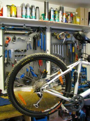 kerékpár szervíz elektromos és fekvőkerékpároknak is