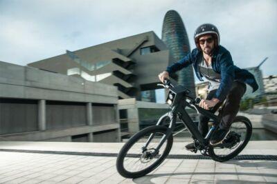 Elektromos kerékpárral a munkehelyre